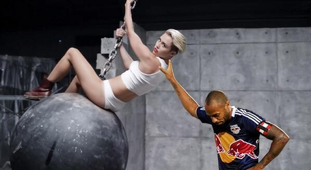 Wrecking_ball_medium