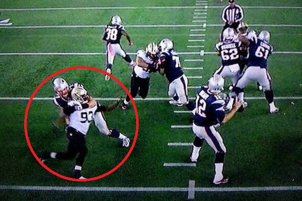 Patriots DL Dominique Easley can be seen being blatantly ...