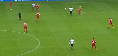 Newcastle_remy_ben_arfa_free_kick_medium