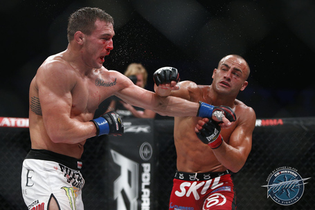 014_eddie_alvarez_vs_michael_chandler_medium