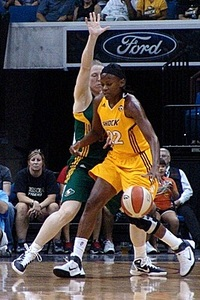 Sheryl Swoopes, one of the 15 all-time greats of the WNBA (courtesy of Troy LIttledeer)