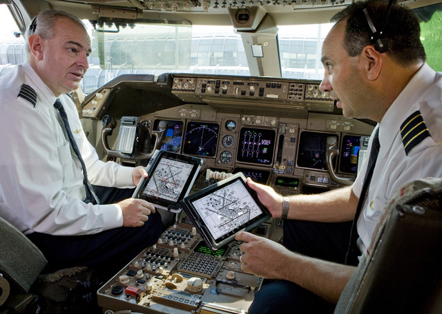 United pilots with iPads