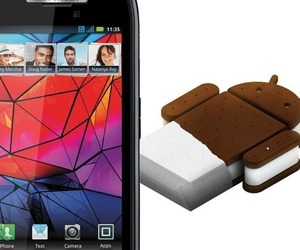 RAZR Ice Cream Sandwich