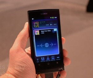 Sony-walkman-011-top_large