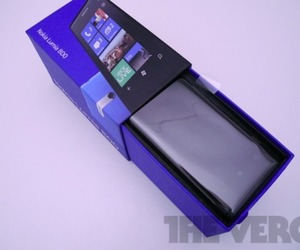 Nokia Lumia 800 box