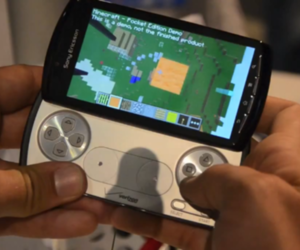 Minecraft on Xperia Play hands-on at E3 2011