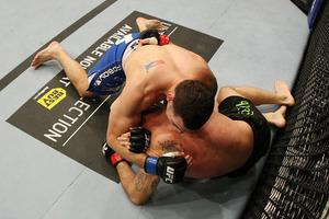 Competir en artes marciales mixtas 05_Lawlor_Weidman_03_large