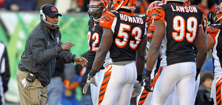 CINCINNATI, OH - DECEMBER 11: Marvin Lewis the head coach of the Cincinnati Bengals gives instructions to his team during the NFL game against Houston Texans at Paul Brown Stadium on December 11, 2011 in Cincinnati, Ohio.  (Photo by Andy Lyons/Getty Images)