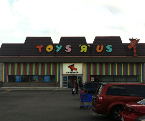 Toys R Us Location
