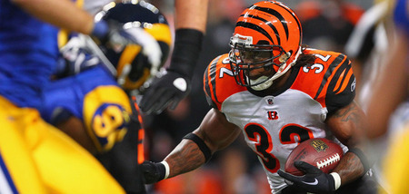 ST. LOUIS, MO - DECEMBER 18: Cedric Benson #32 of the Cincinnati Bengals rushes against the St. Louis Rams at the Edward Jones Dome on December 18, 2011 in St. Louis, Missouri.  (Photo by Dilip Vishwanat/Getty Images)