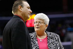 Gary Kloppenburg, pictured with Indiana Fever head coach Lin Dunn, was tapped as Tulsa's coach today. (Photo by Craig Bennett/112575 media)