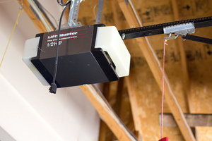 Lifemaster Garage door opener (Flickr)