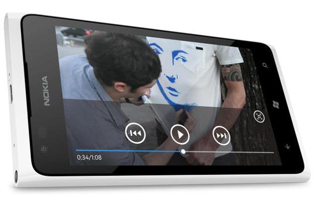 Nokia Lumia 900 white_640