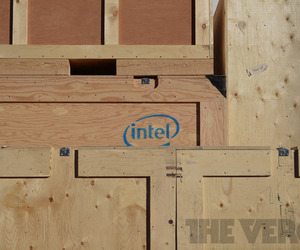 Intel Logo Crate Stock 1020
