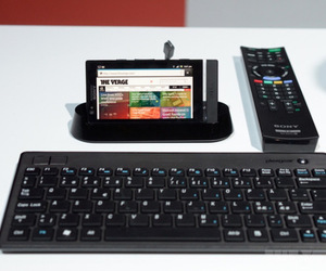 Gallery Photo: Xperia P SmartDock with TV launcher hands-on