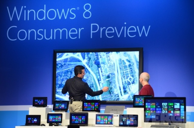 Gallery Photo: Windows 8 on 82-inch Perceptive Pixel PC pictures