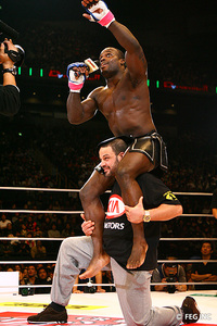 Will Manhoef be celebrating May 29, or will Saki have his number?