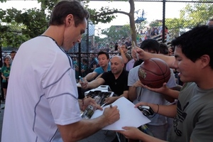 Steve Nash dishes autographs to fans at Showdown 2012