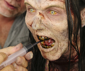 Walking Dead make-up application