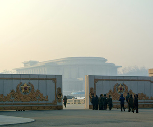 North Korea palace (C) Sophie Schmidt