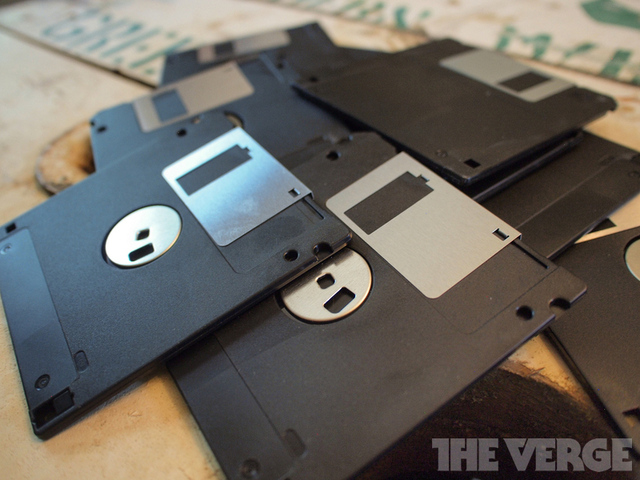 floppy disc pile stock_1020