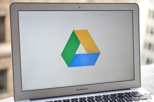 Google Drive logo Laptop (watermark)