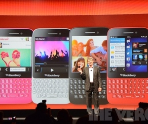 Gallery Photo: BlackBerry Q5 gallery