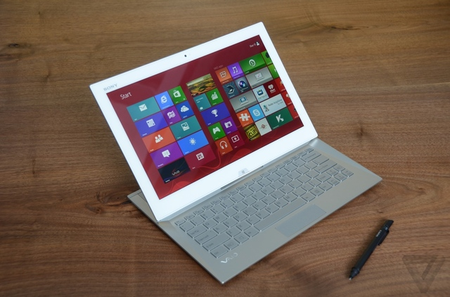 Gallery Photo: Sony VAIO Duo 13 pictures