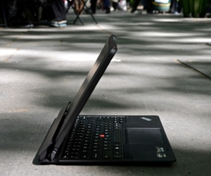Lenovo ThinkPad Helix hero (1024px)
