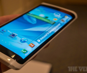 Samsung concept device demonstrated in January