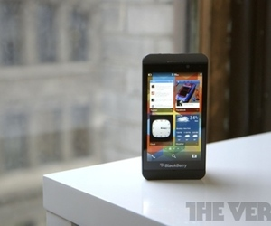 BlackBerry Z10 software (875px)