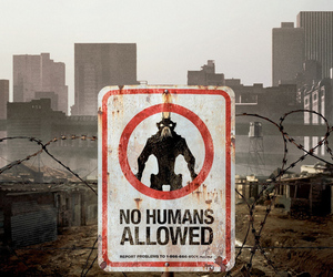 district 9 poster crop