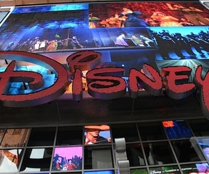 disney-logo-timesquare