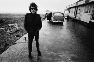 Bob Dylan (film cover shot with no text)