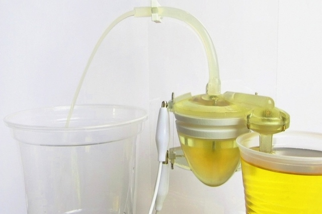 Urine-powered robot heart (Credit: Peter Walters et. al 2013, Bioinspiration and Biomimetics)
