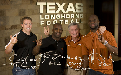 Four_longhorns_wall_1280