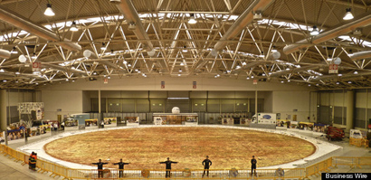O-worlds-largest-pizza-570
