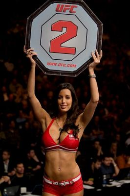 Mma-ring-girl-edith-labelle