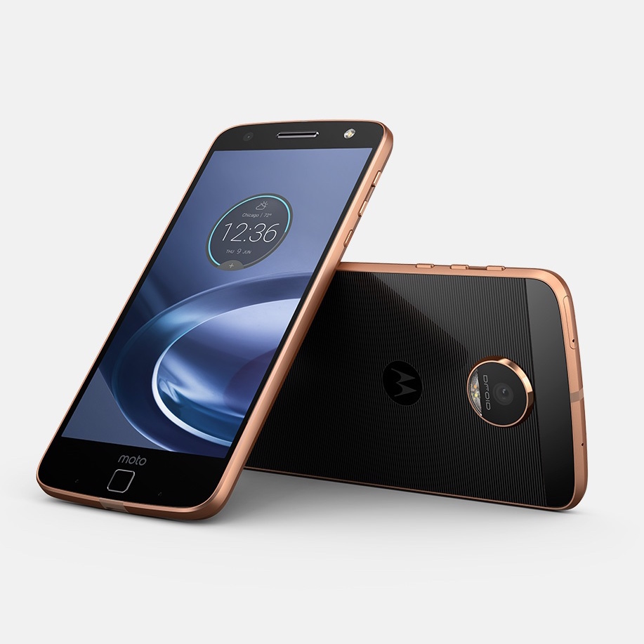 the moto z is the best modular phone yet the verge. Black Bedroom Furniture Sets. Home Design Ideas