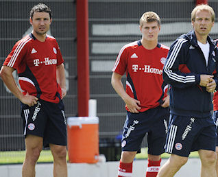 Mark van Bommel attends first training session