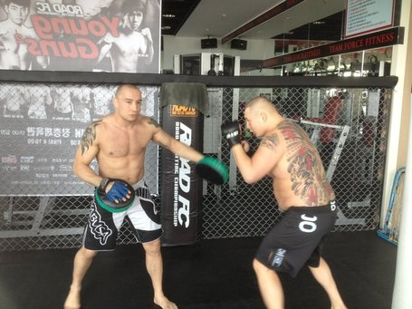 Another brother making his pro MMA debut 540134_10150883906359517_652774516_12834140_1711896101_n_medium