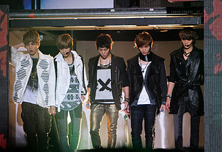 320px-shinee_2011_gayo_daejun_medium