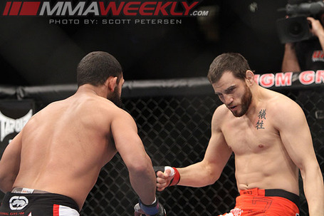 03-fitch-vs-hendricks-ufc-141_81531_medium