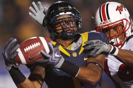 32363_maryland_california_football_medium