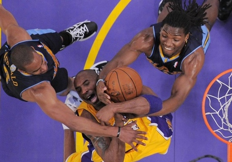 Nuggets_20lakers_20basketball
