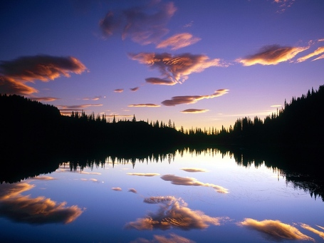 Reflection_lake_mount_rainier_national_park_washington_medium