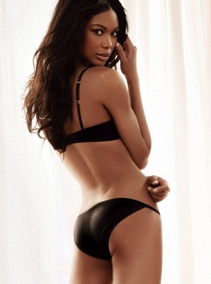 Chanel-iman-lingerie_medium