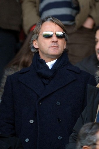 Roberto Mancini chillin\' at the game