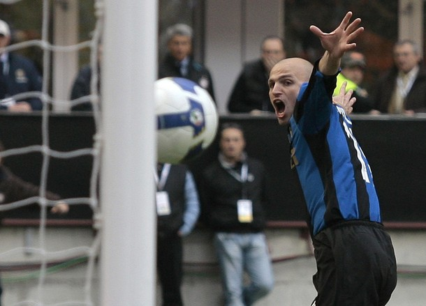 Cambiasso opens the scoring.