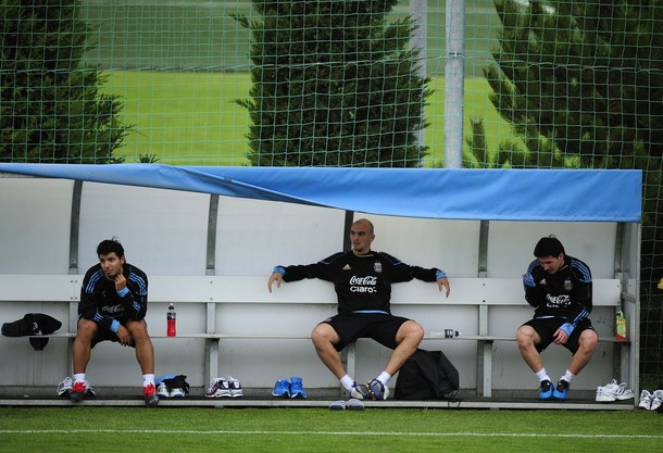 Cambiasso with Argentinian National team ahead of a friendly against Spain